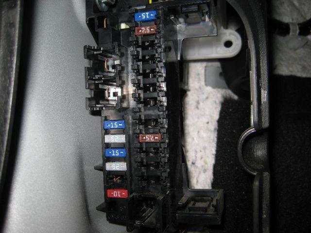 hộp cầu chì trên CX 5