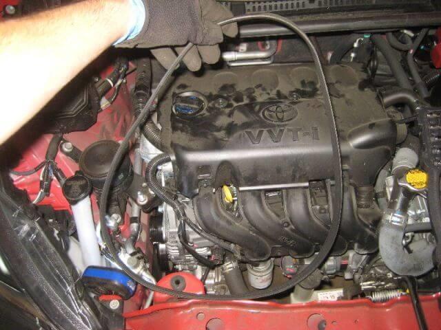 Thay dây curoa máy phát điện Toyota Yaris