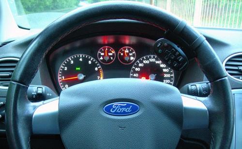 đồng hồ taplo Ford Focus 2