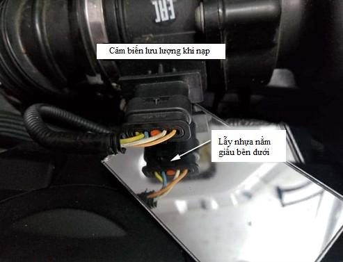 thay-the-gioang-nap-van-mini-r56-2006-2013- cooper-dong-co-n12